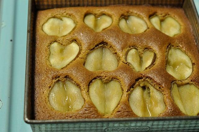 finished pear cake
