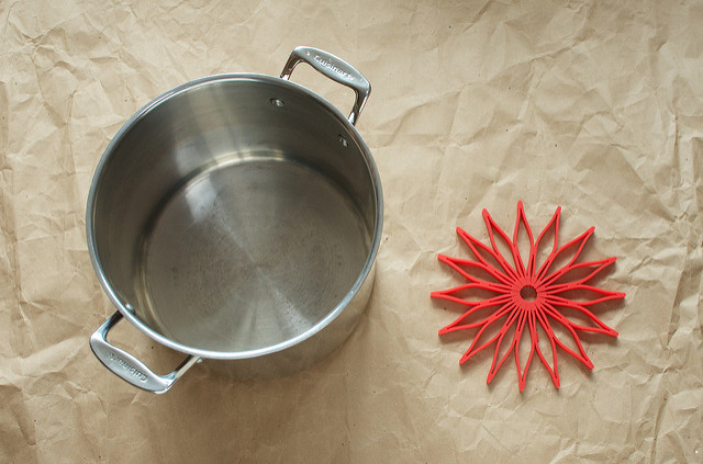 stock pot and trivet