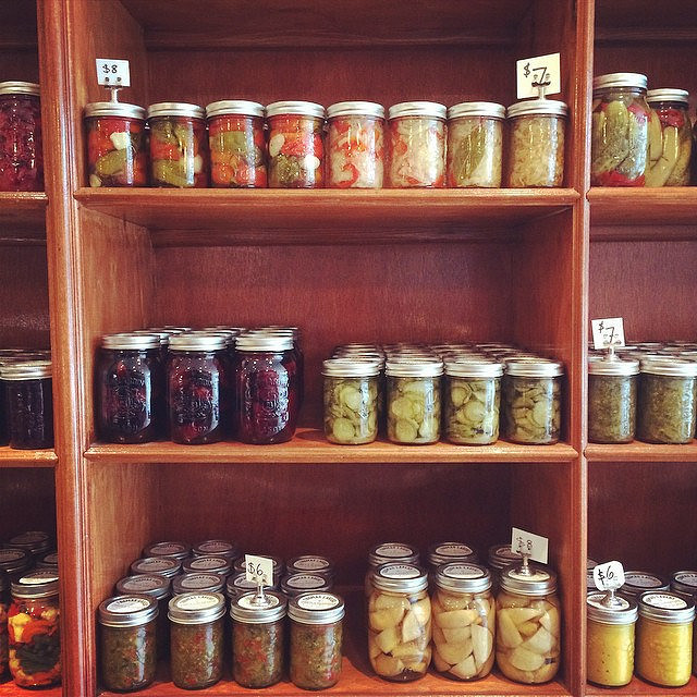 What a lovely wall of pickles! I'm so impressed by Thomas Lavers!