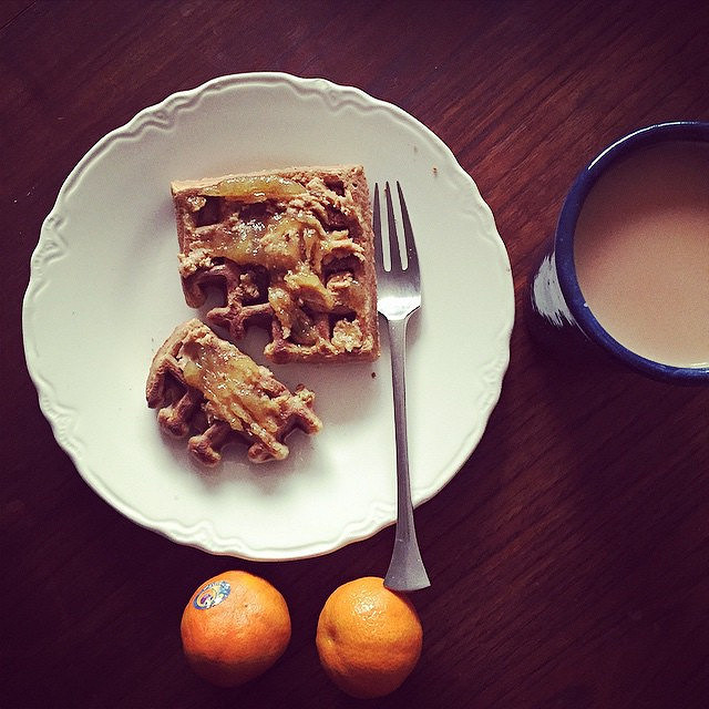 Leftover waffles with peanut butter and pear vanilla jam. Black tea with milk. Clementines.