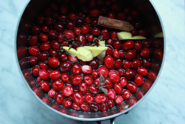 spices into cranberries