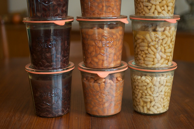 pressure canned beans in Weck jars