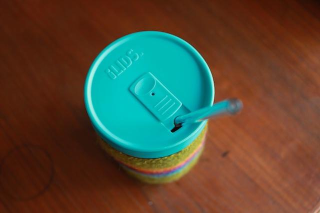 iLid with straw