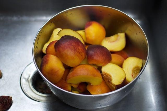 cut peaches in a bowl