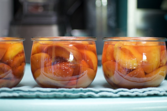 peaches in jars