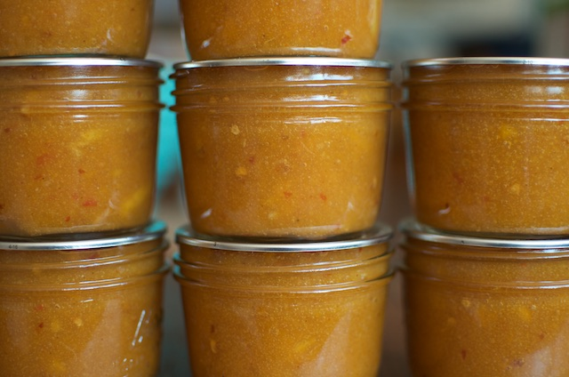 spicy peach preserves close