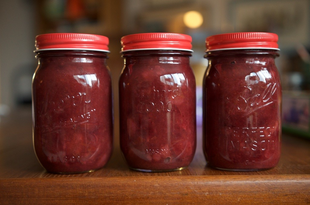 Low Sugar Pear Cranberry Jam - Food in Jars