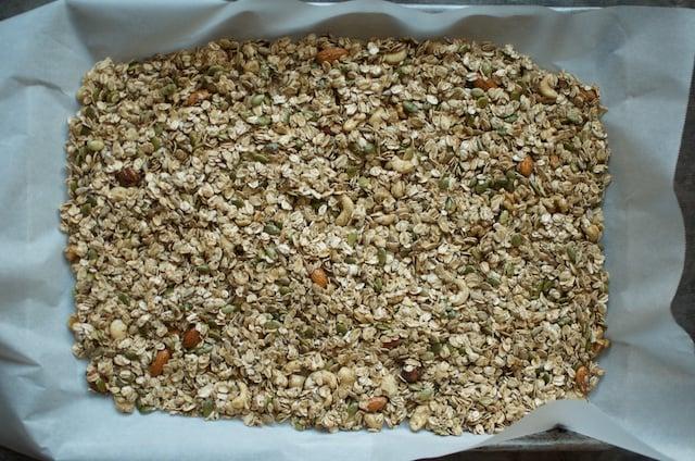Unbaked Granola - Food in Jars