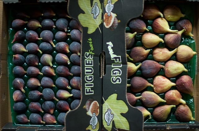 Figs in their packing boxes