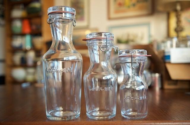 Lock Eat jars designed for holding juice