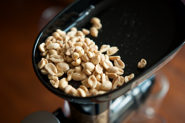 roasted-peanuts-in-the-hopper