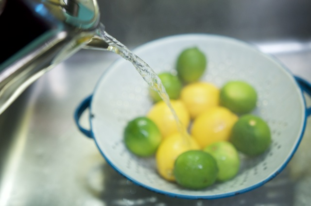 rinsing fruit for lemon lime marmalade