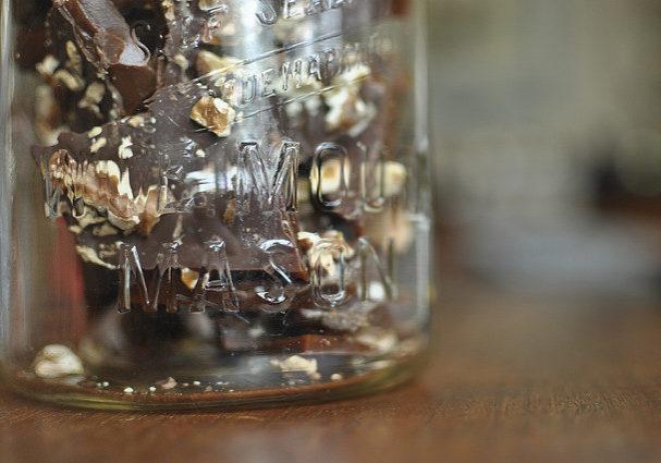 burnt sugar toffee in a jar